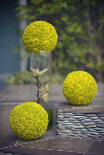 mum balls top a chic affair // floral design: JL DesignsMums Ball, Flower Ball, Floral Design, Buttons Ball, Buttons Mums, Centerpieces, Green Flower, Mums Pomander, Jl Design