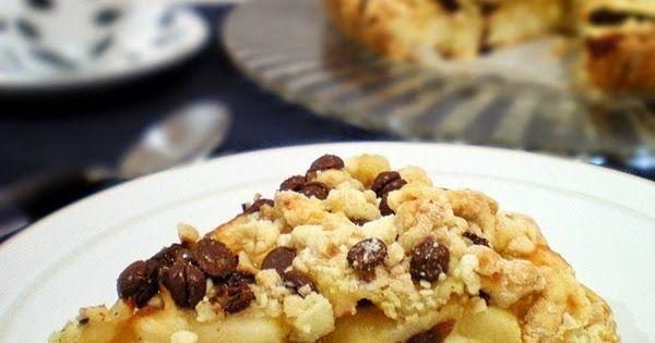 Crostata di mele con crumble di nocciole e cioccolato