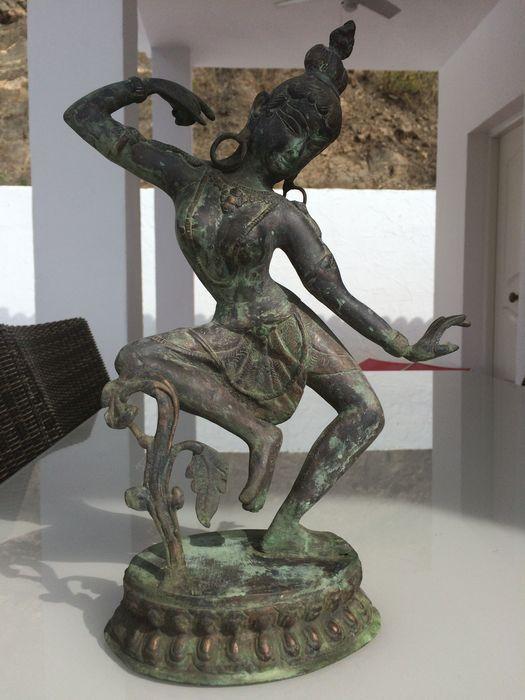 Nu in de #Catawiki veilingen: Exotische Indiase Kunst - vermoedelijk gepatineerd koper/zamak - dansende Parvati - ...