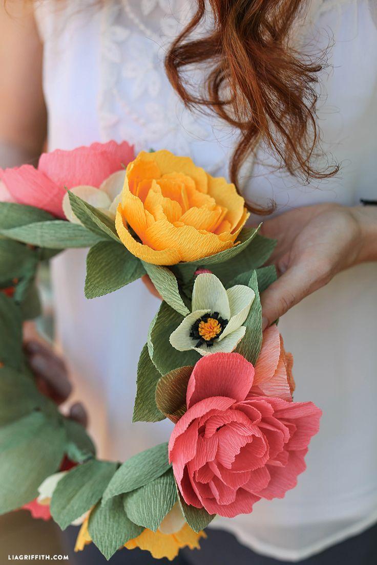 Diy paper flower wreath ruffled - Diy Crepe Paper Flower Crown With Free Printable Template Step By Step Tutorial