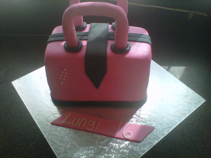 Handbag themed birthday cake for a sweet 16 supplied by Altefyn Cakes