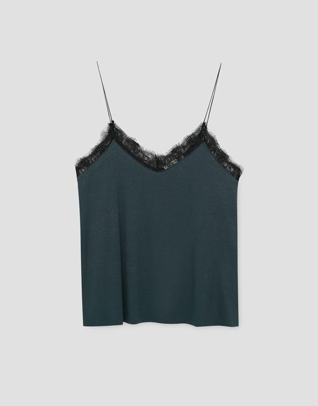 https://www.pullandbear.com/pl/dla-niej/odzież/koszulki/top-na-ramiączkach-z-koronką-przy-dekolcie-c29020p500108036.html