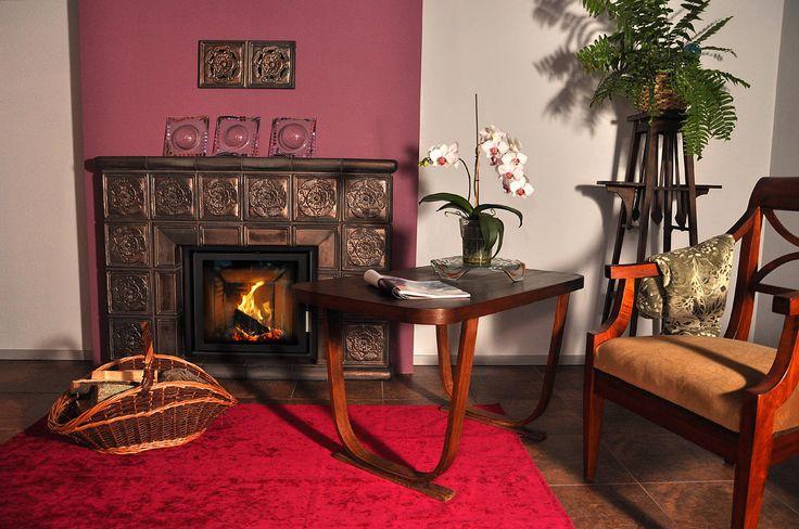Portal kominkowy z manufaktury Riwal. Kominki kaflowe. Piece kaflowe. Tiled fireplaces.