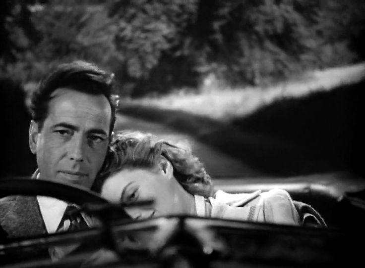 – Allora è la canzone in sé che non vuoi piú ascoltare?  – Diciamo che è cosí, – risposi.  – Un po' come in Casablanca, insomma, – fece lui.  – Appunto.  Da allora, quando mi vedeva, ogni tanto suonava per  scherzo As Time Goes By. [Nel link: As Time Goes By eseguita da Dexter Gordon nel film Round Midnight]