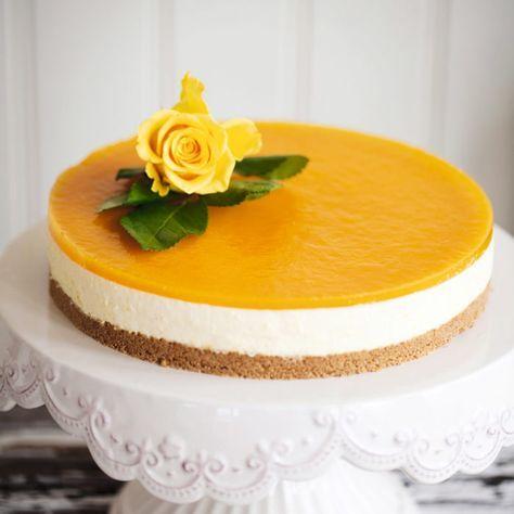 Cheesecake med passionsfruktgelé.