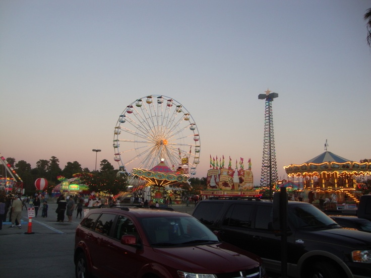 Waterford Lakes Christmas Carnival in Orlando