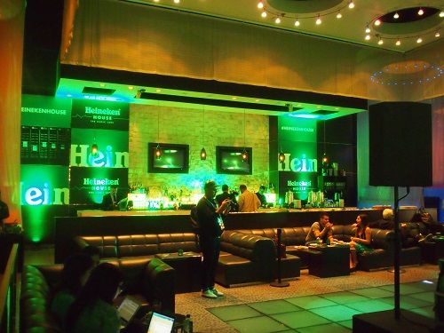 Heineken-House-at-2013-Latin-Grammys.jpg (500×375)
