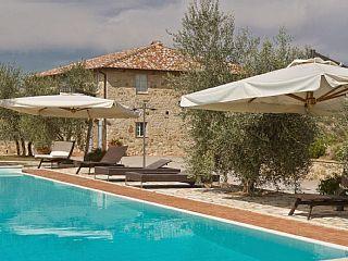 Villa Orchidea in Castelnuovo Berardenga - Toscana   Vacation Rental in Castelnuovo Berardenga from @homeaway! #vacation #rental #travel #homeaway