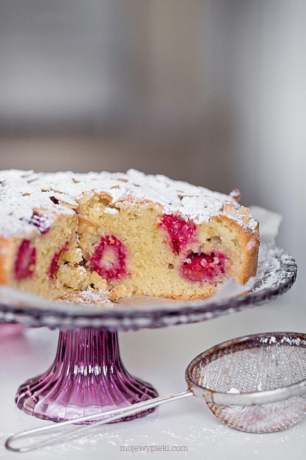 Moje Wypieki | Ciasto migdałowe z malinami