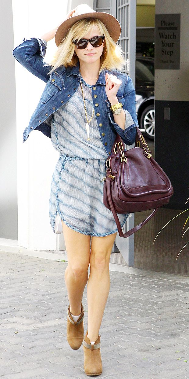 @Who What Wear - Reese Witherspoon Welcomes Spring With An Easy-Chic Look