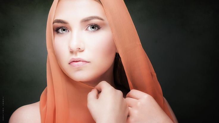 Beautiful face isolated with a scarf