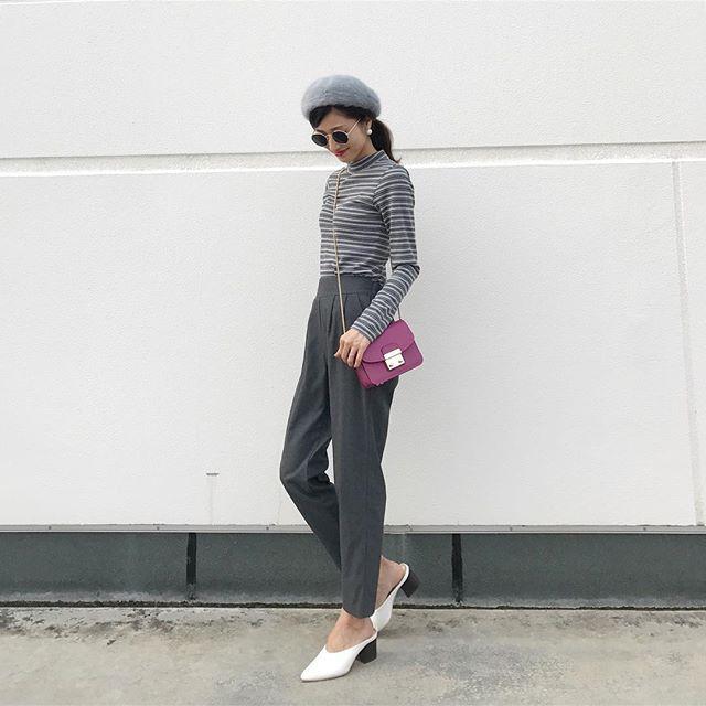 ✴︎ @gu_global のマルチカラーのボーダーT✨ #ベレー帽 、#パール 、#赤リップ で女性らしく❤︎ ニットやシャツの中に着てちら見せしても可愛いかも☺︎ . . #GUPR#レトロコーデ#マルチボーダー#ボーダー #dailylook#love#instagood#fashion#coordinate#simple#outfit#ootd#outfitoftheday#mineby3mootd#シンプル#プチプラコーデ#シンプルコーデ#カジュアルコーデ#casual#gu#gumania