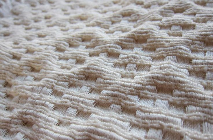 Textural Weaving with dimensional surface detail; woven textiles design // Signe Rand Ebbesen