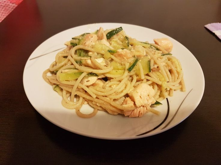 Full salmon spaghetti. Ingredients:whole spaghetti,salmon fillet,olive oil,zucchini,white wine,celery sauce,one tbsp of sour cream. Spices:salt,pepper and basil dried.
