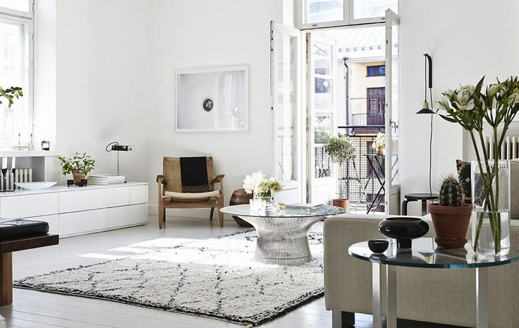 Apartment in Helsinki (1) Shop the same style at GFURN.com: http://gfurn.com/collections/coffee-table/products/g-ct14-gfurn-reproduction-of-warren-platner-coffee-table