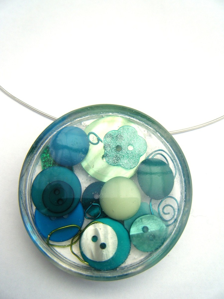 What a cool use for resin and old buttons?!