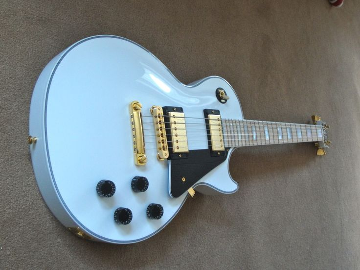 Limited Edition Gibson LP Custom with maple neck
