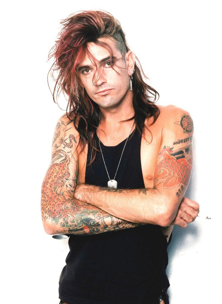 Mötley Crüe – Tommy Lee, backstage, 1990.