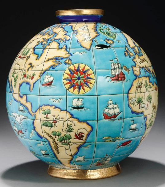 Maurice Paul CHEVALLIER et Manufacture de LONGWY #Vase «ATLAS» circa 1930 en céramique, de forme ovoïde à petit col épaulé et base cernés à l'or. Décor luxuriant d'humains, d'animaux, de végétaux, de monuments, de paysages et bateaux des quatres coins du globe. Couverte émaillée polychrome sur un fond finement craquelé. Cachet «Atelier d'Art Emaux de Longwy». «Atlas» «Décor de M.P Chevallier» peint sous couverte. H: 38 cm, DL: 33cm Vendu aux #encheres le 02/12/13 par Millon & Associés
