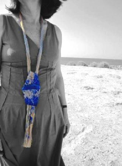 "Catalina Gibert - ""aMARE"" - necklace - linen canvas, acrylic paint, lapis lazuli - silver"