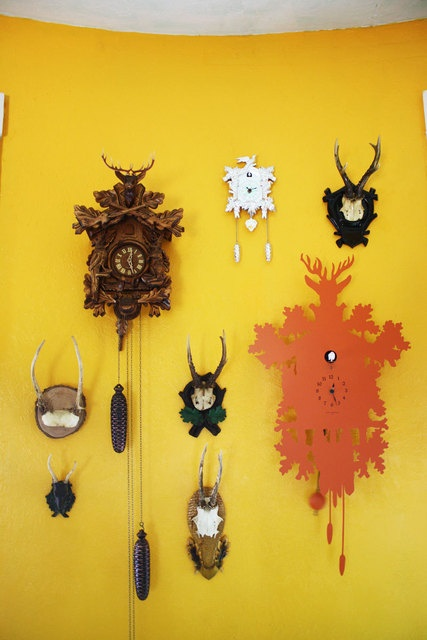 1000 images about cuckoo clocks on pinterest kitsch chalets and black forest - Funky cuckoo clock ...