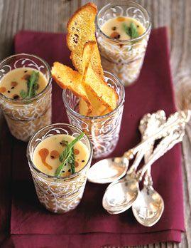 Weiße-Bohnen-Suppe mit Gewürzöl - Feine winterliche Vorspeisen - [LIVING AT HOME]