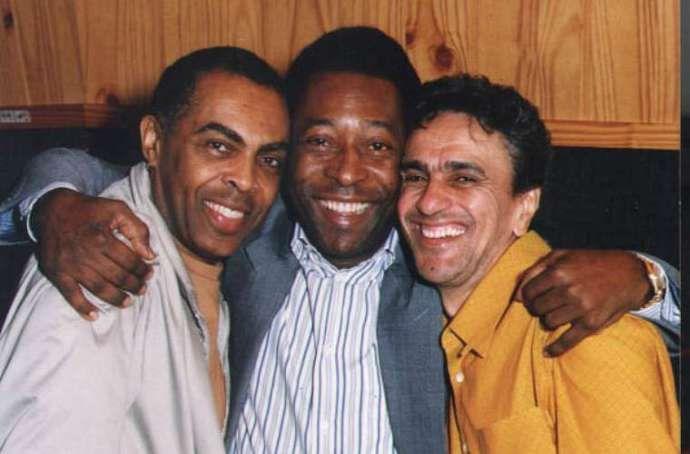 Com Gilberto Gil e Caetano Veloso durante a gravação do clipe Aquele Abraço para a candidatura do Rio de Janeiro para sediar a Olimpíada de 2004.