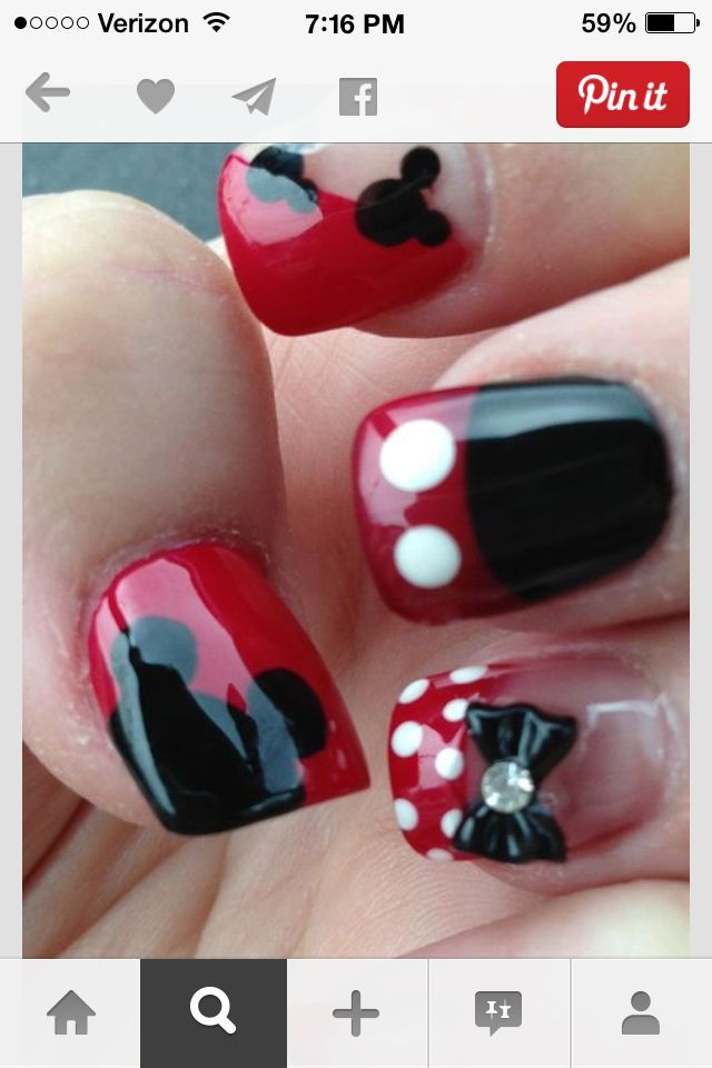 Wish I would have taken care of my nails more when we went to Walt Disney World •Raelynn•