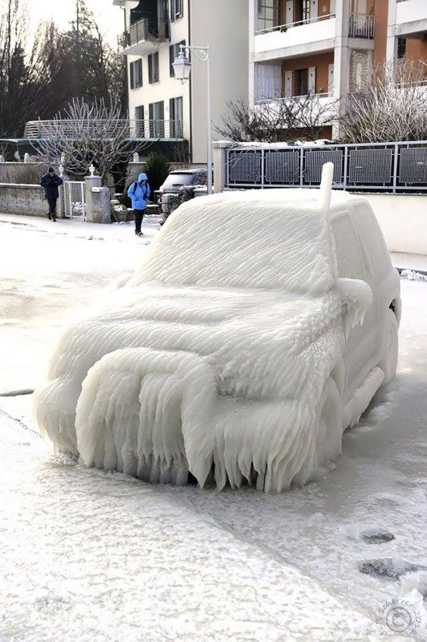 mașină înghețată cu totul