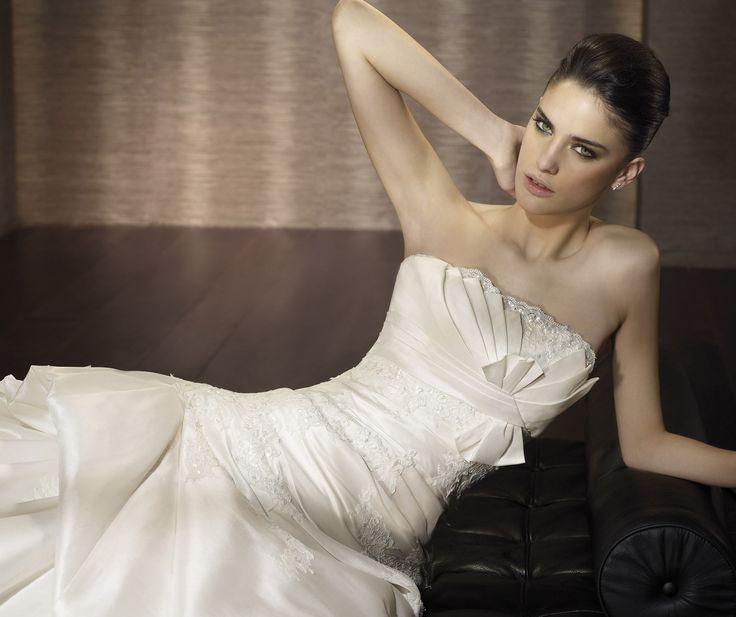 Caribe - Pronovias - Esküvői ruhák - Ananász Szalon - esküvői, menyasszonyi és alkalmi ruhaszalon Budapesten