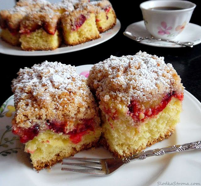 Ciasto Drożdżowe ze Śliwkami i Cynamonową Kruszonką - Przepis - Słodka Strona