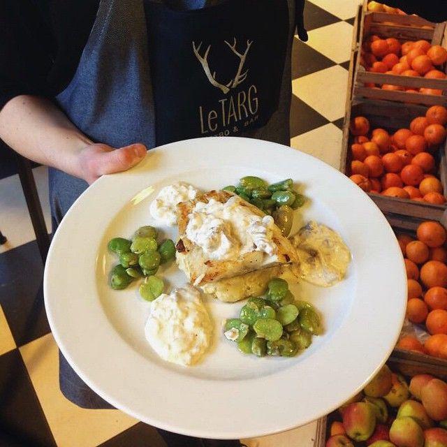 Dorsz na gratin z bobem i sosem kurkowym #letarg #letargbistro #letargbistrobar #restaurant #poland #poznan #delicious #foodie #foodgasm #foodporn #instaphoto #instafood #vsco #visit #visitus #vscocam #vscolover #vscoeurope #eat #eating #cook #cooking #yummy #fish #fresh #green #vege