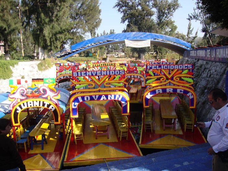 Trajineras en Xochimilco- Fotografía: Beatriz Julia Suarez