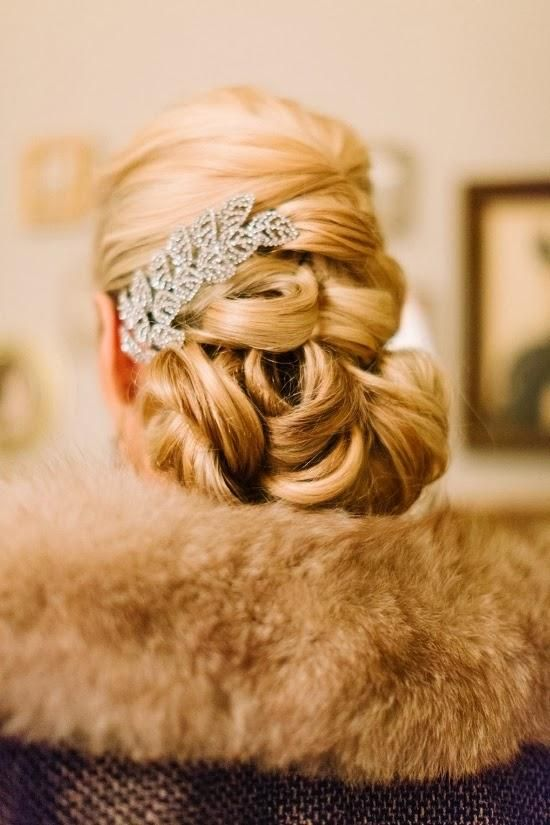 classic #vintage #bridal updo | photo by Haley Sheffield: Wedding Hair Updo, Wedding Inspiration, 1920S Winter, Vintage Bridal, Bridal Hair, Wedding Pin, Hair Style, Vintage Updo, Bridal Updo
