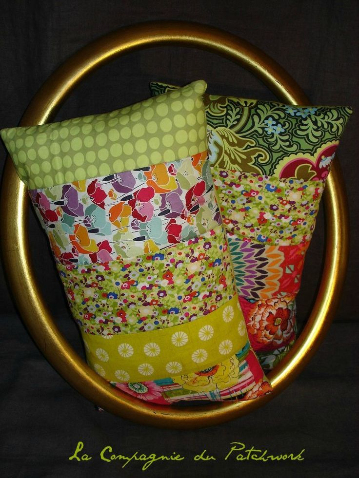 Coussin « Ma prairie verte et jolies fleurs » 55 x 33 cm, rempli & déhoussable : Textiles et tapis par lacompagniedupatchwork