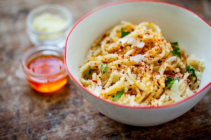 spaghetti a mezzanotte with pecorino and hot chili oil