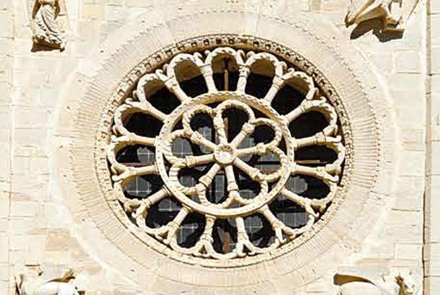 Rosone della facciata dell'Abbazia di Sant'Eutizio