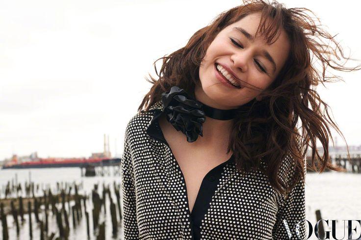 #StarWars Anthology #HanSolo , #GameofThrones #Actress #EmiliaClarke on #Vogue #China #August 2017. - 「 #スターウォーズ 」の新しいヒロインのエミリア・クラークが登場した中華版 Vogue のファッション・グラビア - #映画 #エンタメ #セレブ & #テレビ の 情報 ニュース from #CIAMovieNews / CIA こちら映画中央情報局です
