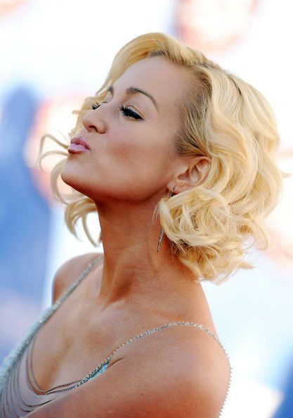 Kellie Pickler - saw her in concert supporting Toby Keith and she was amazing! So was he, in fact :-)