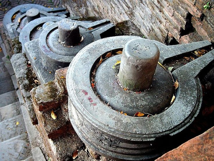 Shivlinga icons are common for Parvati and Shiva. She is symbolically the yoni in the core of a 9th-century  in Pashupatinath Temple of Nepal