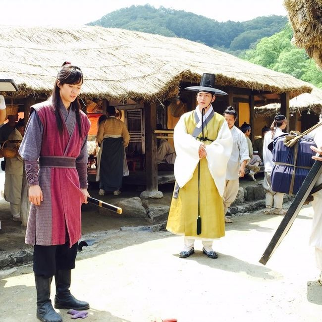 "Splendid Politics (Hangul: 화정; hanja: 華政; RR: Hwajeong) is a 2015 South Korean television series starring Cha Seung-won, Lee Yeon-hee, Kim Jae-won, Seo Kang-joon, Han Joo-wan and Jo Sung-ha.[1][2] It airs on MBC on Mondays and Tuesdays at 22:00 for 50 episodes beginning April 13, 2015. The Korean title Hwajeong is a shortened version of Hwaryeohan Jeongchi (literally ""Splendid Politics""). In red: Gong Myung (5urprise) as Ja Kyung in yellow: Seo Kang-joon as Hong Joo-won"