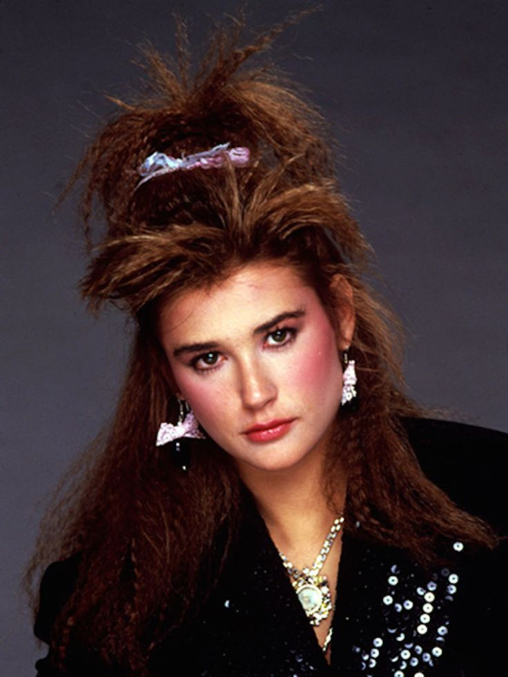 crimped hairstyles 80s Crimped hairstyles have taken on a whole new look crimped hairstyles are a prevailing trend on runways and catwalks as of late if you are a fan of 80's.