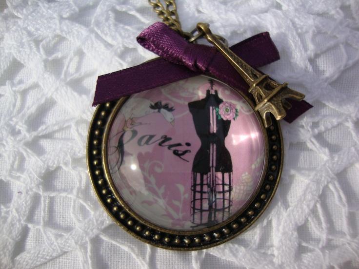 Lindo collar camafeo inspirado en la hermos ciudad de París.