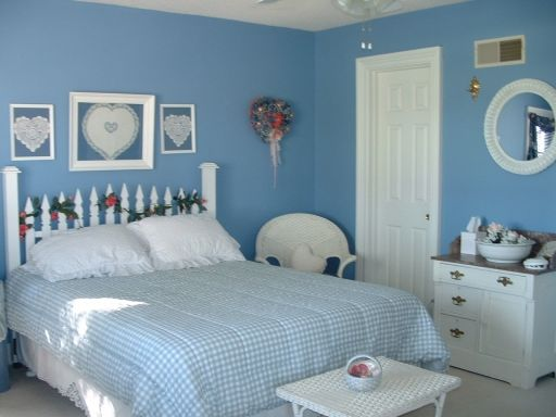 Best 25+ Bright blue bedrooms ideas on Pinterest | Living room ...