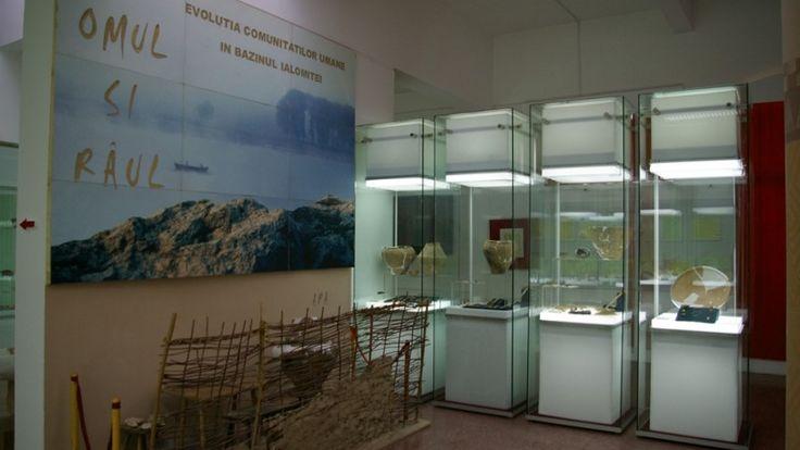 Muzeul Judetean Ialomita a fost înființat în a doua jumătate a deceniului șapte al secolului al XX-lea, când prin Legea din 17 februarie 196...