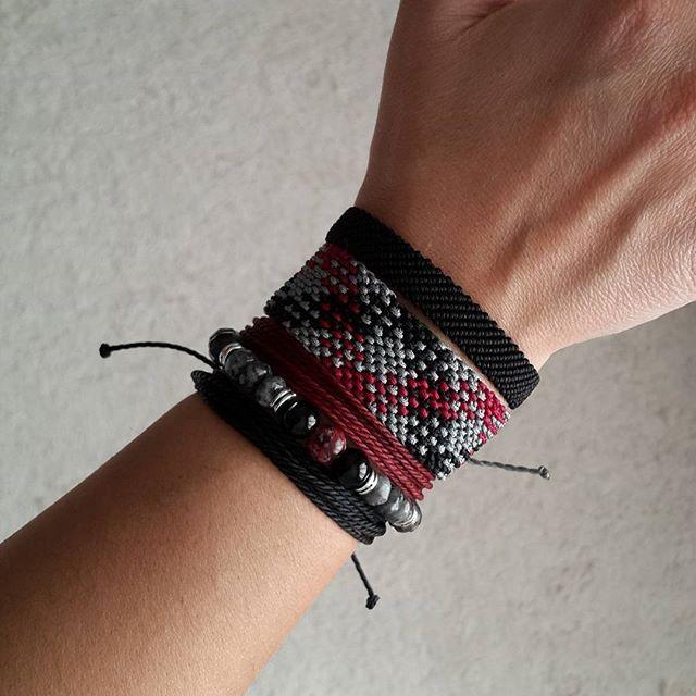 SADE bracelet set @sade.bs #handmade#sade#bracelet #jewellery#gift#braceletset #naturalstone#fashion #black #siyah #ekose - Twaz