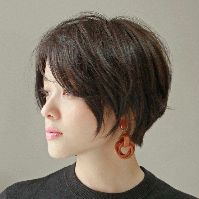 小顔 小頭w効果の長め前髪がカギ 大人かっこいいスタイリッシュショート 美的 Com ゴージャスなヘアスタイル 美髪 ヘアーデザイン