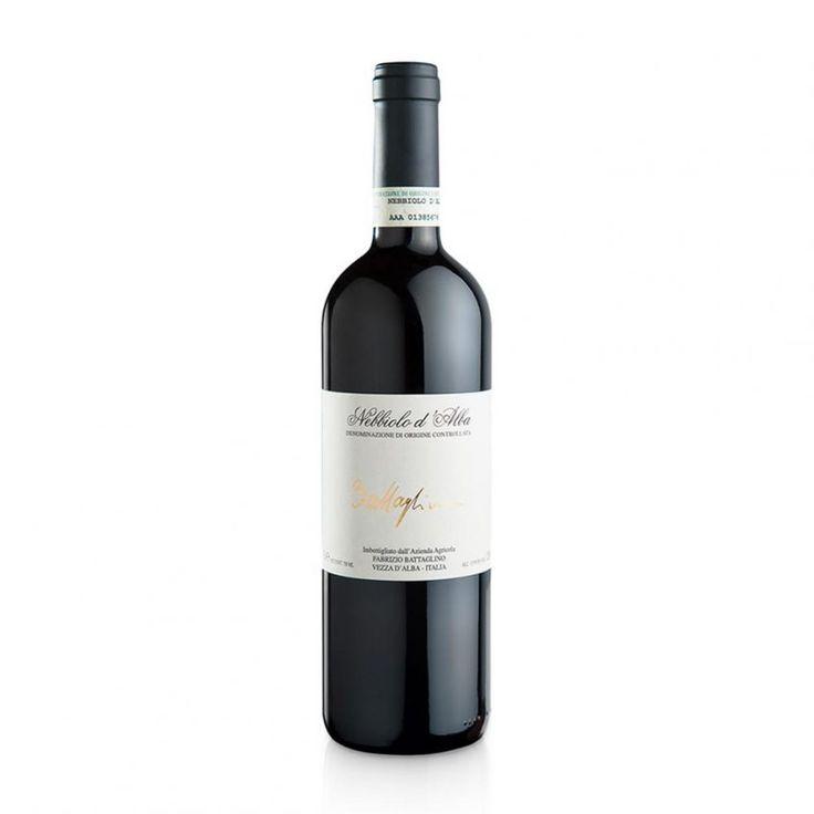 NEBBIOLO D'ALBA 2014 - Il Nebbiolo d'Alba DOC 2014 è un vino rosso di bella naturalezza espressiva, pulito e fragrante, buon frutto, tannini di media grana, valido allungo finale. Eccellente con arrosti, selvaggina, brasati e stracotti, ben accompagna i formaggi.  #vino #nebbiolodalbadoc #nebbiolodalba #nebbiolo #vinoitaliano #viniitaliani #fabriziobattaglino #battaglino #vinidoc #vinodoc #vinipiemontesi #vinopiemontese