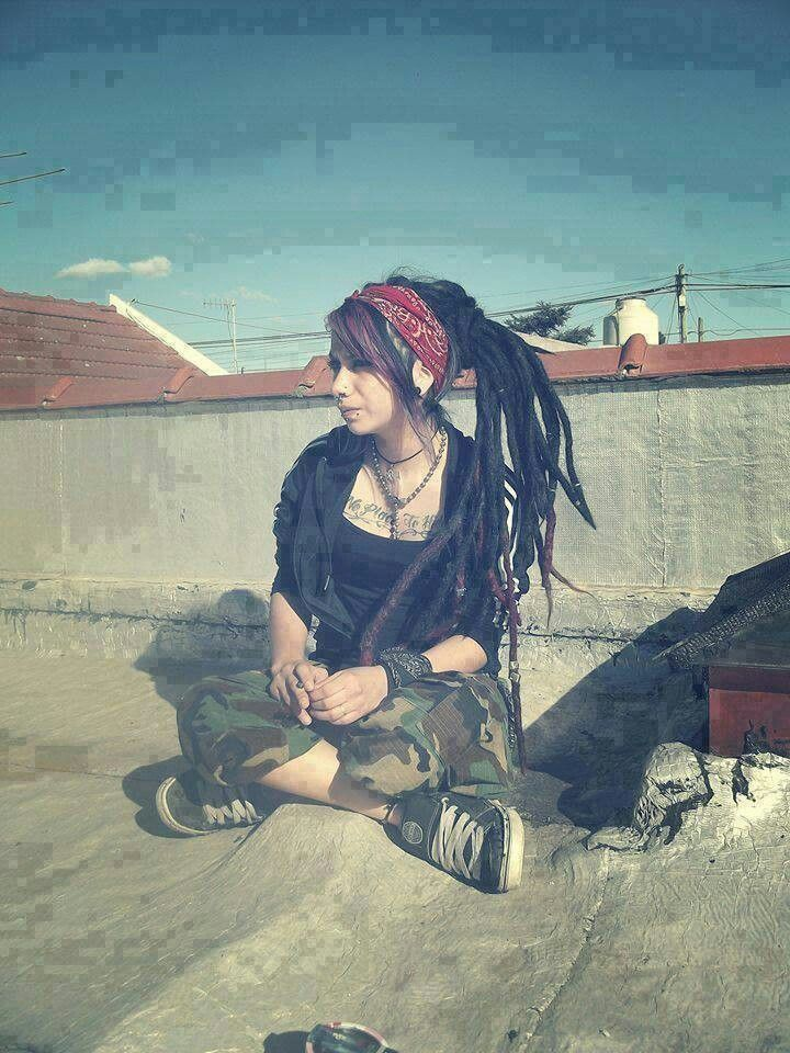 Cool Girl Dreads Makeup