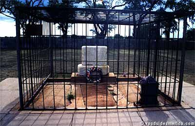 Billy the Kid's two graves are the only tourist attraction in Ft. Sumner, New Mexico -- this is the real one.
